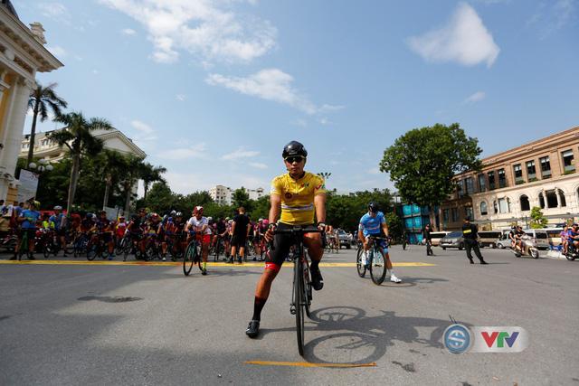 ẢNH: Những khoảnh khắc ấn tượng chặng 2 Giải xe đạp quốc tế VTV Cúp Tôn Hoa Sen 2019 - Ảnh 1.