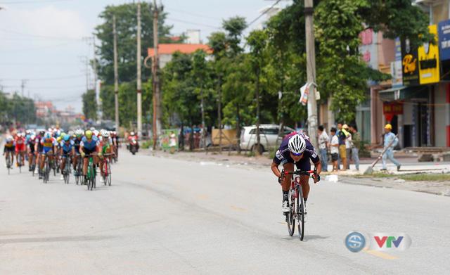 ẢNH: Những khoảnh khắc ấn tượng chặng 2 Giải xe đạp quốc tế VTV Cúp Tôn Hoa Sen 2019 - Ảnh 6.