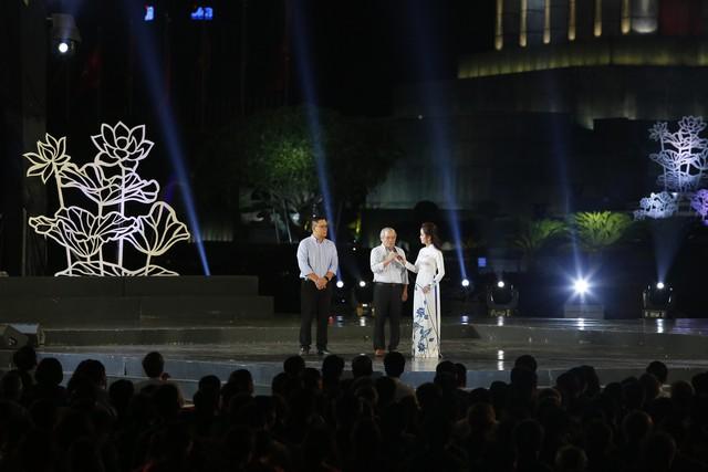 Cầu truyền hình Bài ca kết đoàn: Những hình ảnh khó quên tại điểm cầu Hà Nội - Ảnh 6.