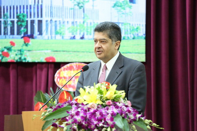 Armenian Ambassador to Vietnam Vahram Kazhoyan speaks at the event. (Photo: VNA)