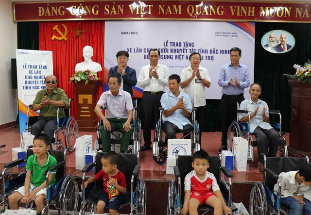 Trao tặng 220 xe lăn cho người khuyết tật tỉnh Bắc Ninh năm 2019 - Ảnh 5.