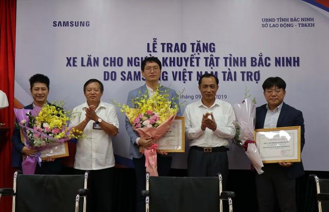 Trao tặng 220 xe lăn cho người khuyết tật tỉnh Bắc Ninh năm 2019 - Ảnh 7.