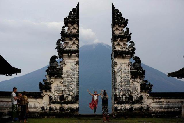 """Du khách hủy tour do Bali đề xuất cấm """"ăn cơm trước kẻng"""" - Ảnh 1."""