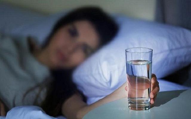 8 bí mật về nước đối với sức khỏe rất nhiều người không biết - Ảnh 1.