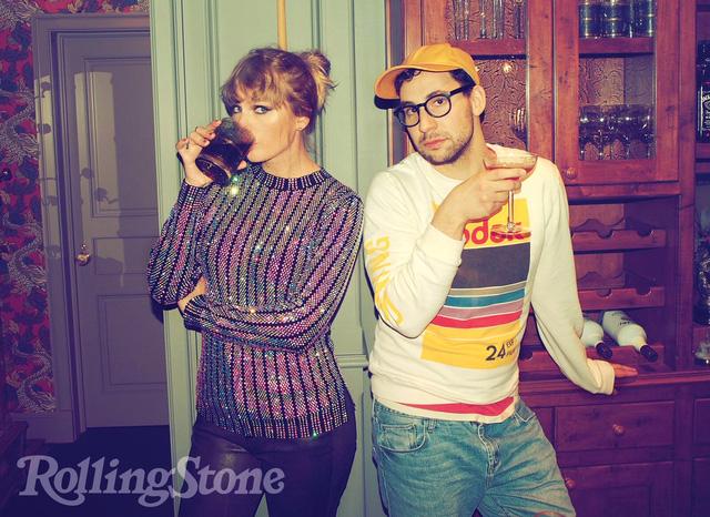 Taylor Swift đầy sắc màu trên Rolling Stone - Ảnh 4.