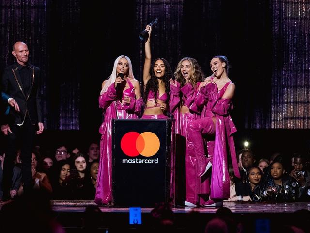 Brit Awards đề xuất loại bỏ hạng mục Nam/Nữ nghệ sĩ xuất sắc nhất - Ảnh 1.