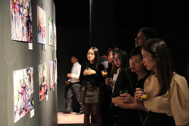 Lắng đọng trong không gian triển lãm kỷ niệm Quốc khánh lần thứ 209 của Mexico - Ảnh 2.