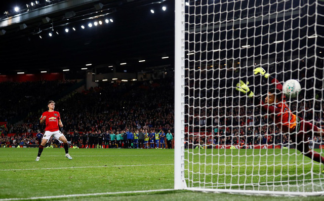 League Cup 2019/20: Chật vật hạ CLB hạng 3, Manchester United đụng Chelsea ở vòng 4 - Ảnh 3.