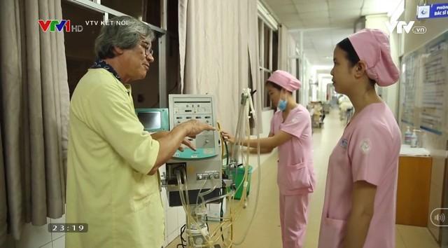 Phim tài liệu Lý do tôi sinh ra: Ý nghĩa nhân văn về phát minh máy thở hỗ trợ trẻ sinh non của vị Giáo sư Việt kiều - Ảnh 2.