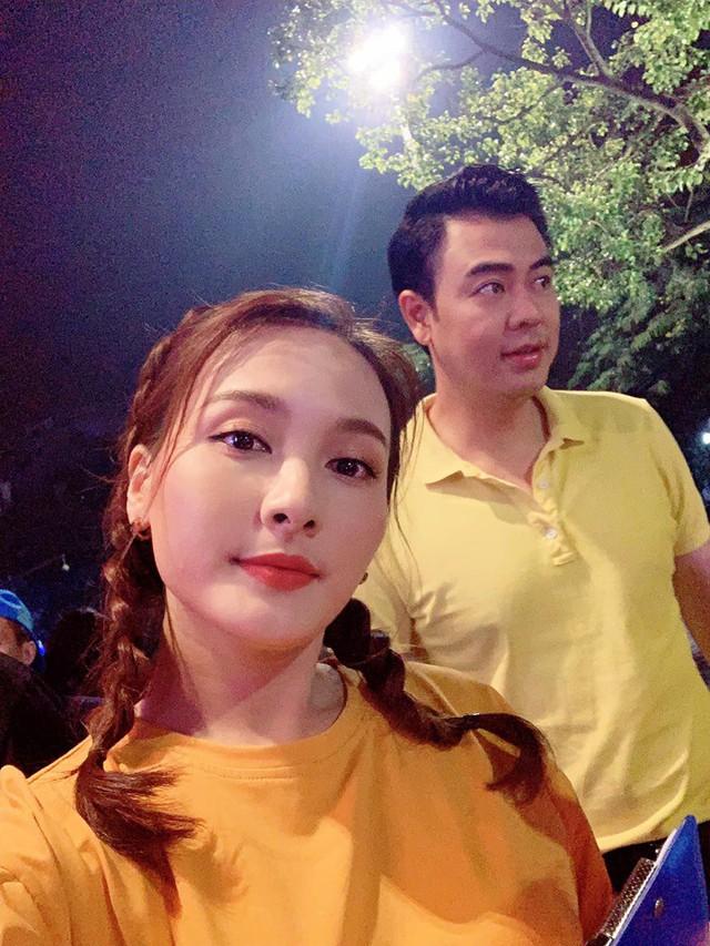 Bảo Thanh, Tuấn Tú rủ nhau chạy marathon từ tờ mờ sáng - ảnh 1