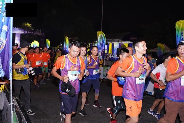 Bảo Thanh, Tuấn Tú rủ nhau chạy marathon từ tờ mờ sáng - ảnh 5