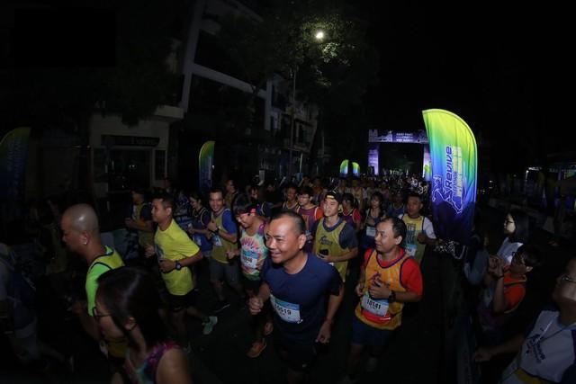 Bảo Thanh, Tuấn Tú rủ nhau chạy marathon từ tờ mờ sáng - ảnh 6