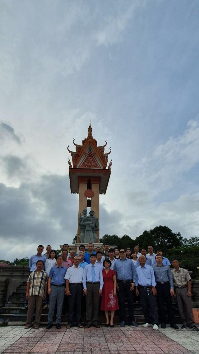 Tổng lãnh sự quán tại Preah Sihanouk tổ chức chiêu đãi chào mừng 74 năm Quốc khánh Việt Nam - Ảnh 1.