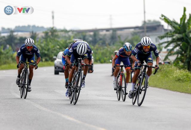 ẢNH: Những khoảnh khắc ấn tượng chặng 3 Giải xe đạp quốc tế VTV Cúp Tôn Hoa Sen 2019 - Ảnh 8.