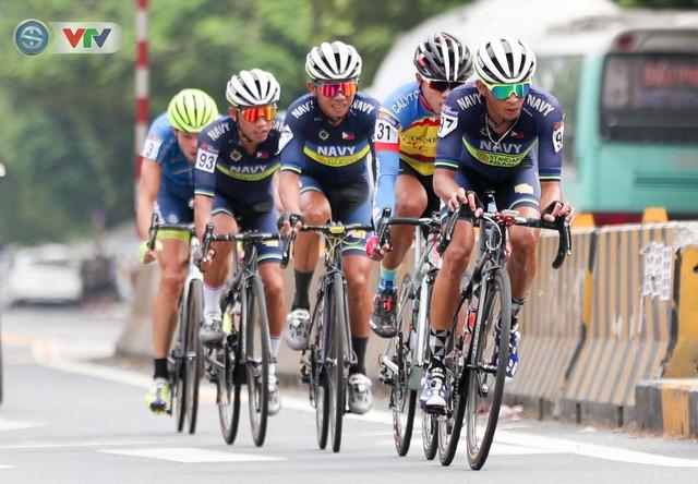 ẢNH: Những khoảnh khắc ấn tượng chặng 3 Giải xe đạp quốc tế VTV Cúp Tôn Hoa Sen 2019 - Ảnh 5.