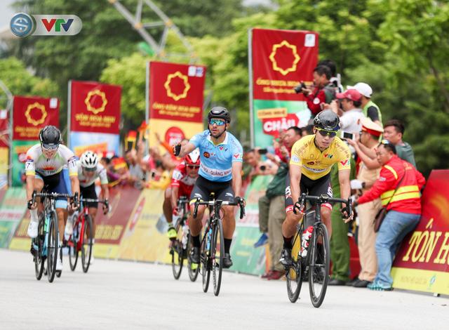 ẢNH: Những khoảnh khắc ấn tượng chặng 3 Giải xe đạp quốc tế VTV Cúp Tôn Hoa Sen 2019 - Ảnh 10.