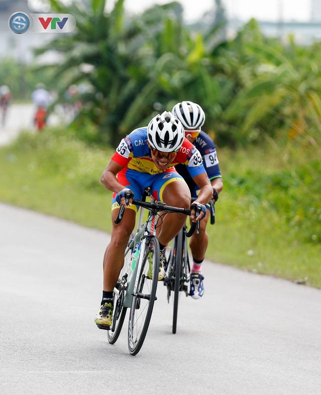 ẢNH: Những khoảnh khắc ấn tượng chặng 3 Giải xe đạp quốc tế VTV Cúp Tôn Hoa Sen 2019 - Ảnh 4.