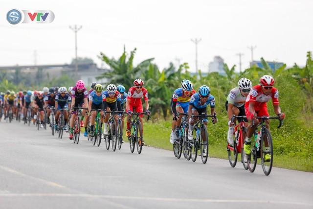 ẢNH: Những khoảnh khắc ấn tượng chặng 3 Giải xe đạp quốc tế VTV Cúp Tôn Hoa Sen 2019 - Ảnh 3.
