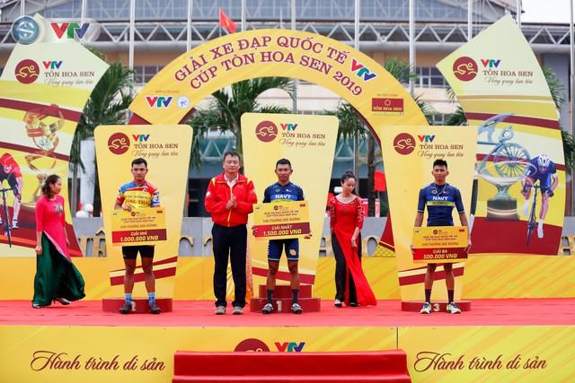 ẢNH: Những khoảnh khắc ấn tượng chặng 3 Giải xe đạp quốc tế VTV Cúp Tôn Hoa Sen 2019 - Ảnh 12.