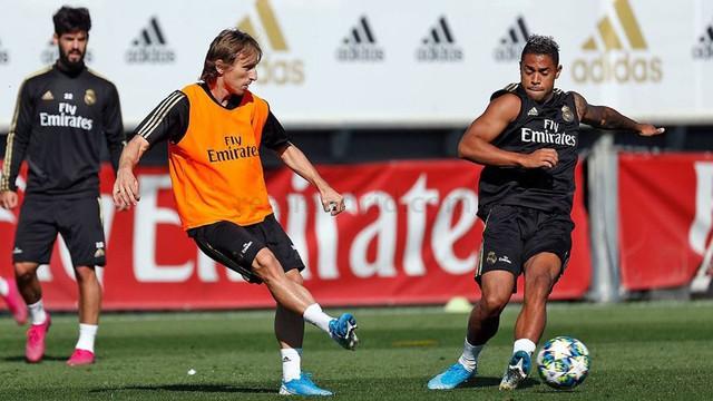 Marcelo vẫn tập một mình 2 ngày trước thềm Champions League - Ảnh 1.