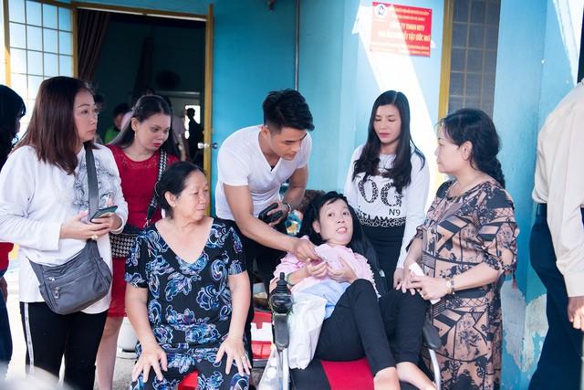 Á quân Mister Việt Nam Lê Hữu Đạt tổ chức sinh nhật cho mái ấm người khuyết tật - Ảnh 1.