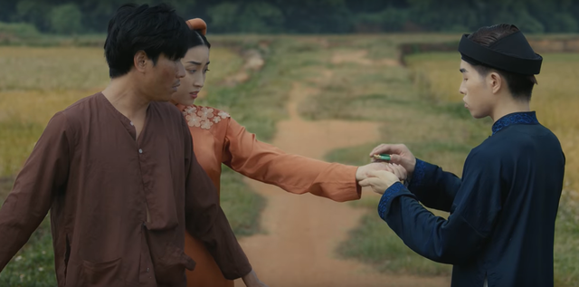 Lấy cảm hứng từ truyện ngắn Chí Phèo, Đức Phúc ra mắt MV Hết thương cạn nhớ - Ảnh 3.