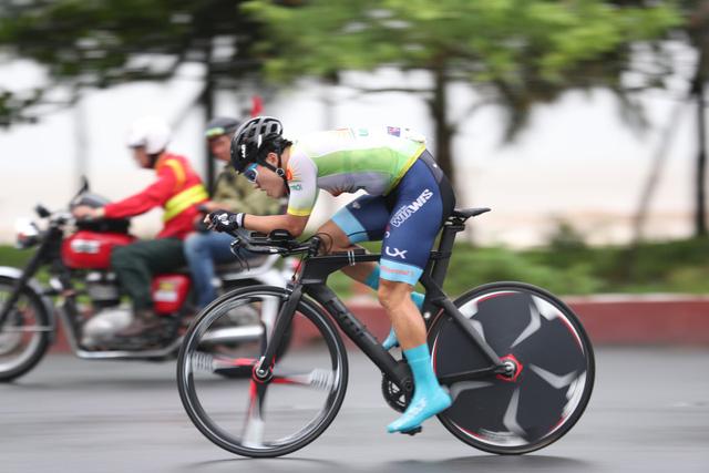 Lễ hội thời trang cực bắt mắt tại chặng 4 Giải xe đạp quốc tế VTV Cúp 2019 - Ảnh 1.