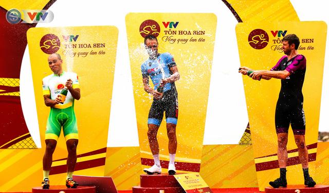 ẢNH: Những khoảnh khắc ấn tượng chặng 4 Giải xe đạp quốc tế VTV Cúp Tôn Hoa Sen 2019 - Ảnh 16.