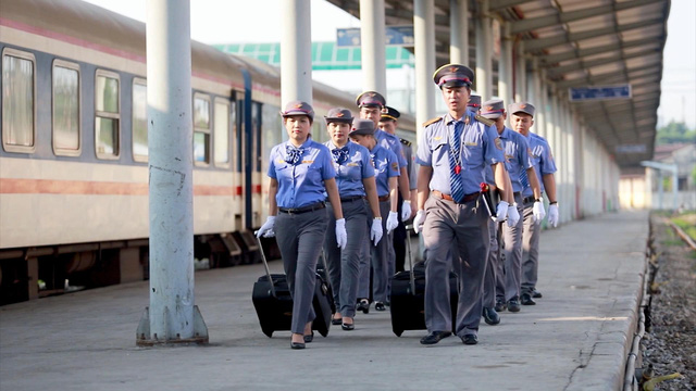 Đường sắt đổi giờ xuất phát hàng loạt mác tàu khách tuyến Bắc - Nam - Ảnh 1.
