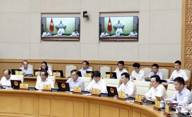 Thủ tướng Nguyễn Xuân Phúc: Kinh tế Việt Nam vẫn duy trì tốc độ tăng trưởng trong bối cảnh khó khăn của kinh tế thế giới - Ảnh 2.