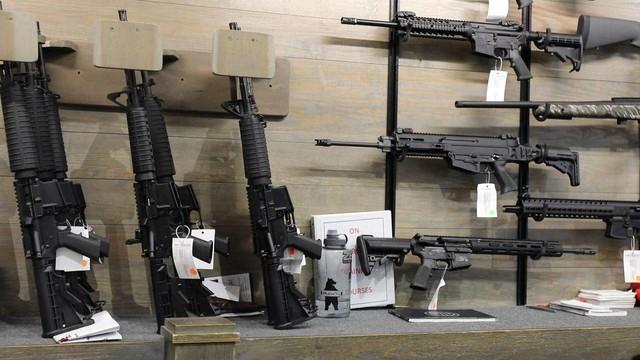 Walmart tuyên bố ngừng bán một số loại đạn - Ảnh 2.