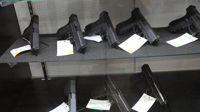 Walmart tuyên bố ngừng bán một số loại đạn - Ảnh 1.