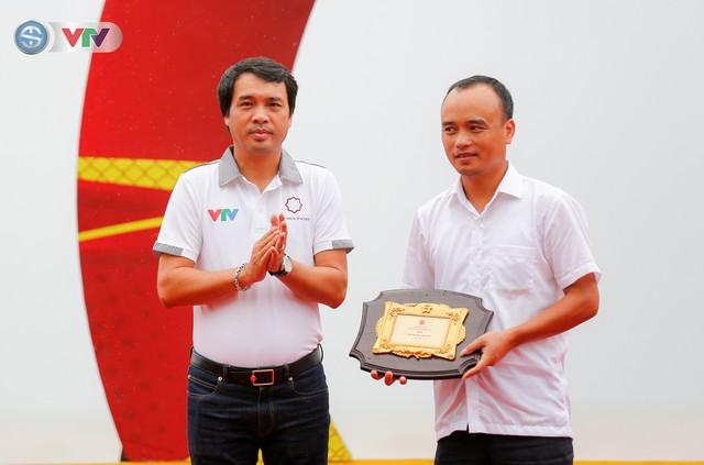 ẢNH: Những khoảnh khắc ấn tượng chặng 4 Giải xe đạp quốc tế VTV Cúp Tôn Hoa Sen 2019 - Ảnh 1.