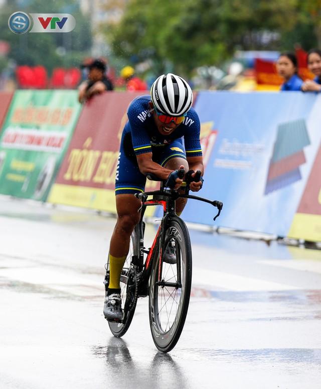 ẢNH: Những khoảnh khắc ấn tượng chặng 4 Giải xe đạp quốc tế VTV Cúp Tôn Hoa Sen 2019 - Ảnh 9.