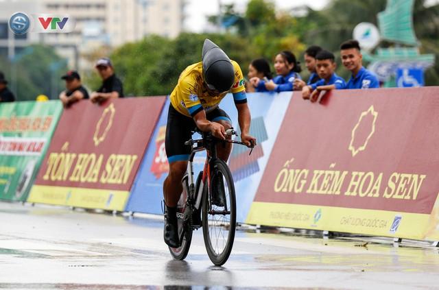 ẢNH: Những khoảnh khắc ấn tượng chặng 4 Giải xe đạp quốc tế VTV Cúp Tôn Hoa Sen 2019 - Ảnh 13.