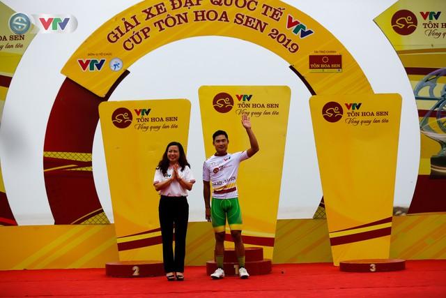 ẢNH: Những khoảnh khắc ấn tượng chặng 4 Giải xe đạp quốc tế VTV Cúp Tôn Hoa Sen 2019 - Ảnh 14.