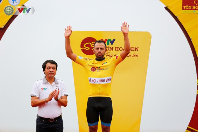 ẢNH: Những khoảnh khắc ấn tượng chặng 4 Giải xe đạp quốc tế VTV Cúp Tôn Hoa Sen 2019 - Ảnh 4.