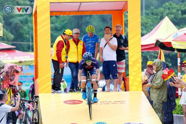 ẢNH: Những khoảnh khắc ấn tượng chặng 4 Giải xe đạp quốc tế VTV Cúp Tôn Hoa Sen 2019 - Ảnh 5.