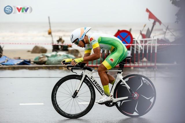 ẢNH: Những khoảnh khắc ấn tượng chặng 4 Giải xe đạp quốc tế VTV Cúp Tôn Hoa Sen 2019 - Ảnh 11.