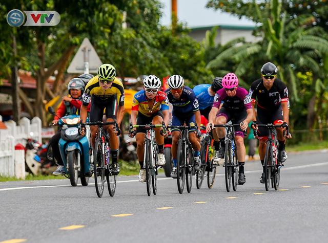 ẢNH: Những khoảnh khắc ấn tượng chặng 6 Giải xe đạp quốc tế VTV Cúp Tôn Hoa Sen 2019 - Ảnh 2.