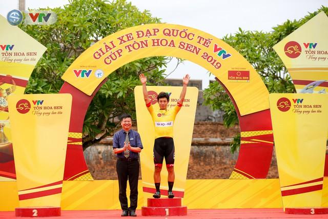 ẢNH: Những khoảnh khắc ấn tượng chặng 6 Giải xe đạp quốc tế VTV Cúp Tôn Hoa Sen 2019 - Ảnh 18.