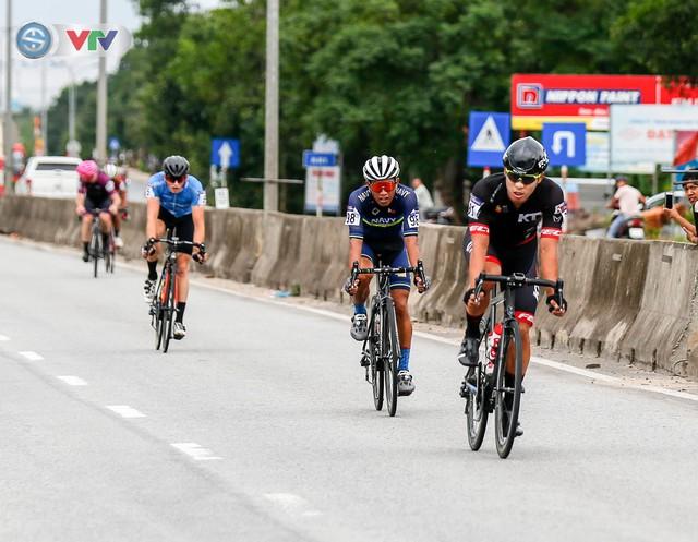 ẢNH: Những khoảnh khắc ấn tượng chặng 6 Giải xe đạp quốc tế VTV Cúp Tôn Hoa Sen 2019 - Ảnh 9.