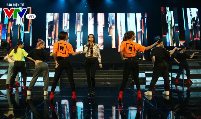 Hồ Ngọc Hà lần đầu xuất hiện trên sân khấu VTV Awards - Ảnh 5.