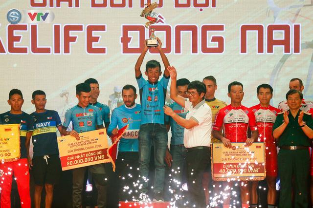Áo xanh đổi chủ ở chặng cuối Giải xe đạp Quốc tế VTV Cúp Tôn Hoa Sen 2019 - Ảnh 6.