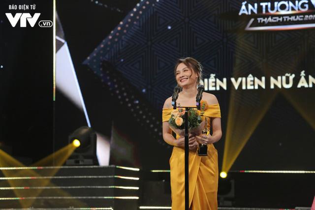 Giành cúp VTV Awards lần thứ hai, Bảo Thanh vẫn rưng rưng xúc động - Ảnh 1.