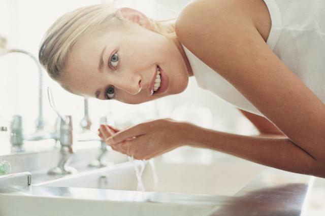 Những sai lầm về chăm sóc da bạn nên dừng lại ngay - Ảnh 5.