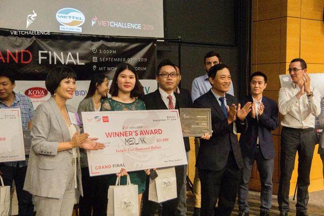 Đội giành giải nhì ở Techfest Vietnam 2018 đăng quang VietChallenge 2019 tại Mỹ - Ảnh 1.