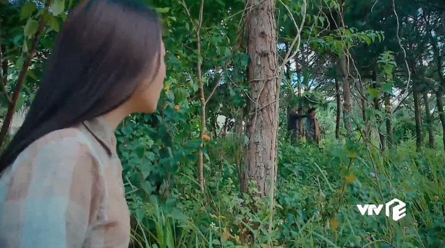 Nước mắt loài cỏ dại - Tập 17: Dạ Thảo phát hiện bà Phương bớt xén tiền quỹ chung - Ảnh 1.