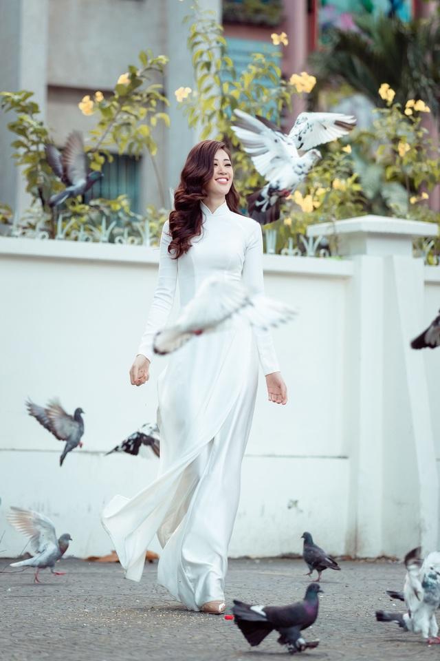 Hoa hậu Khánh Vân lý giải phát ngôn Sau một đêm thức dậy, bỗng có nhà, xe mới - Ảnh 2.