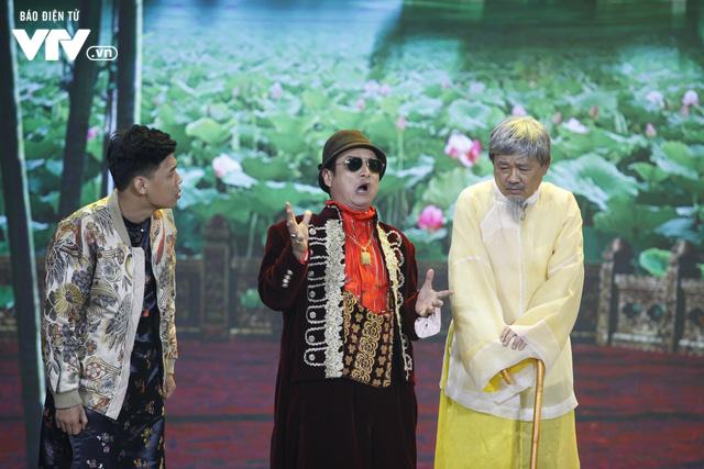 Ông hoàng truyền thông Chí Trung khiến cả làng Vũ Đại trầm trồ trong Gặp nhau cuối năm 2020 - Ảnh 5.